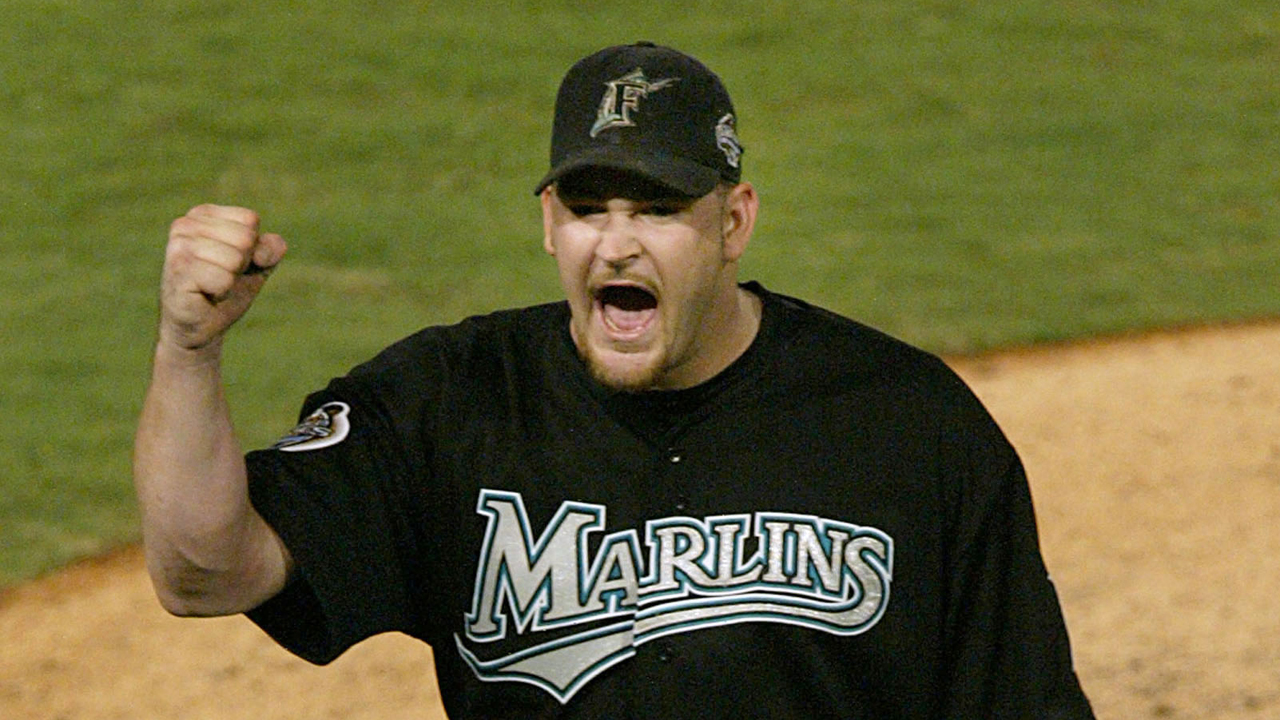 Marlins, Penny agree to Minor League deal
