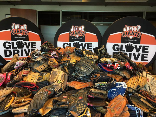 79053ba8125 2019 Jr Giants Glove Drive