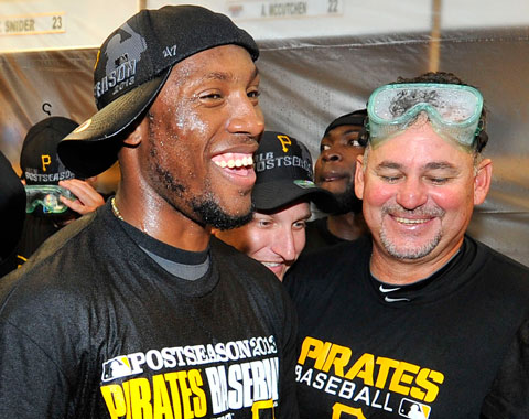 Rojas, Andrade ayudan a latinos a acoplarse en Piratas