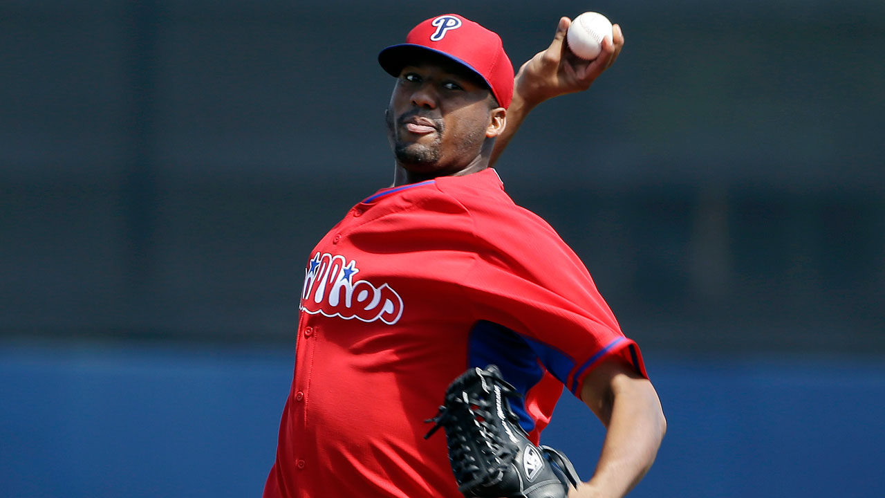 Hernandez tosses three scoreless in Phils' loss