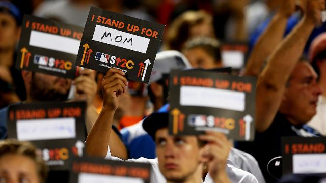 Astros get into charity swing for SU2C