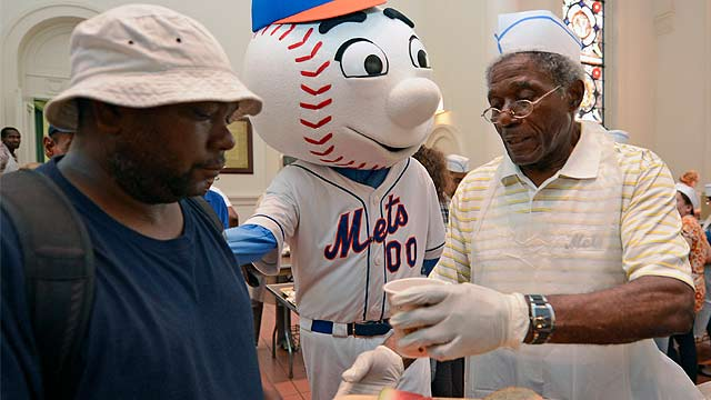 Mets, MLB assist New York soup kitchen