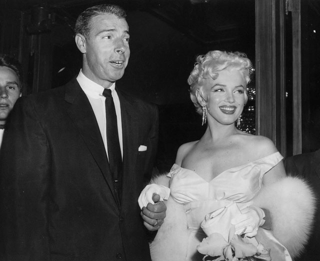 In 1956 Monroe Married Playwright Arthur Miller But By 1960 They Too Had Separated Leaving Her Emotionally Exhausted And Suffering Insomnia