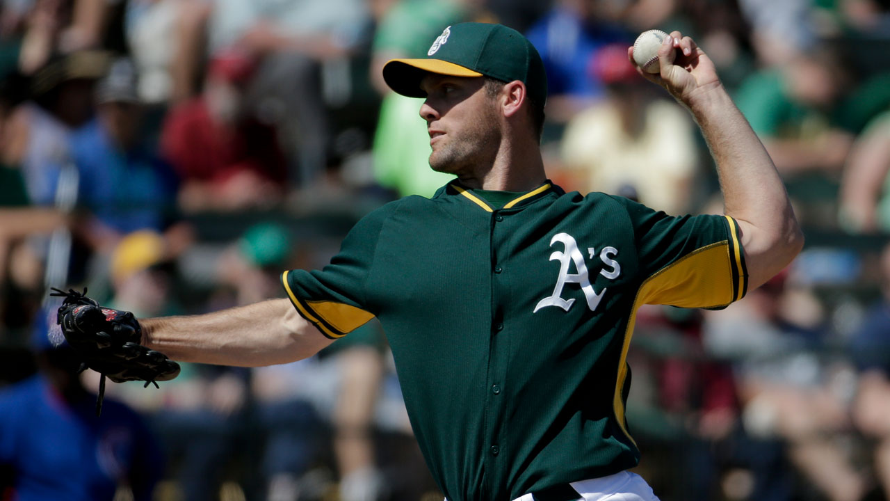 Savery subs for Kazmir, fans five in A's win over Cubs