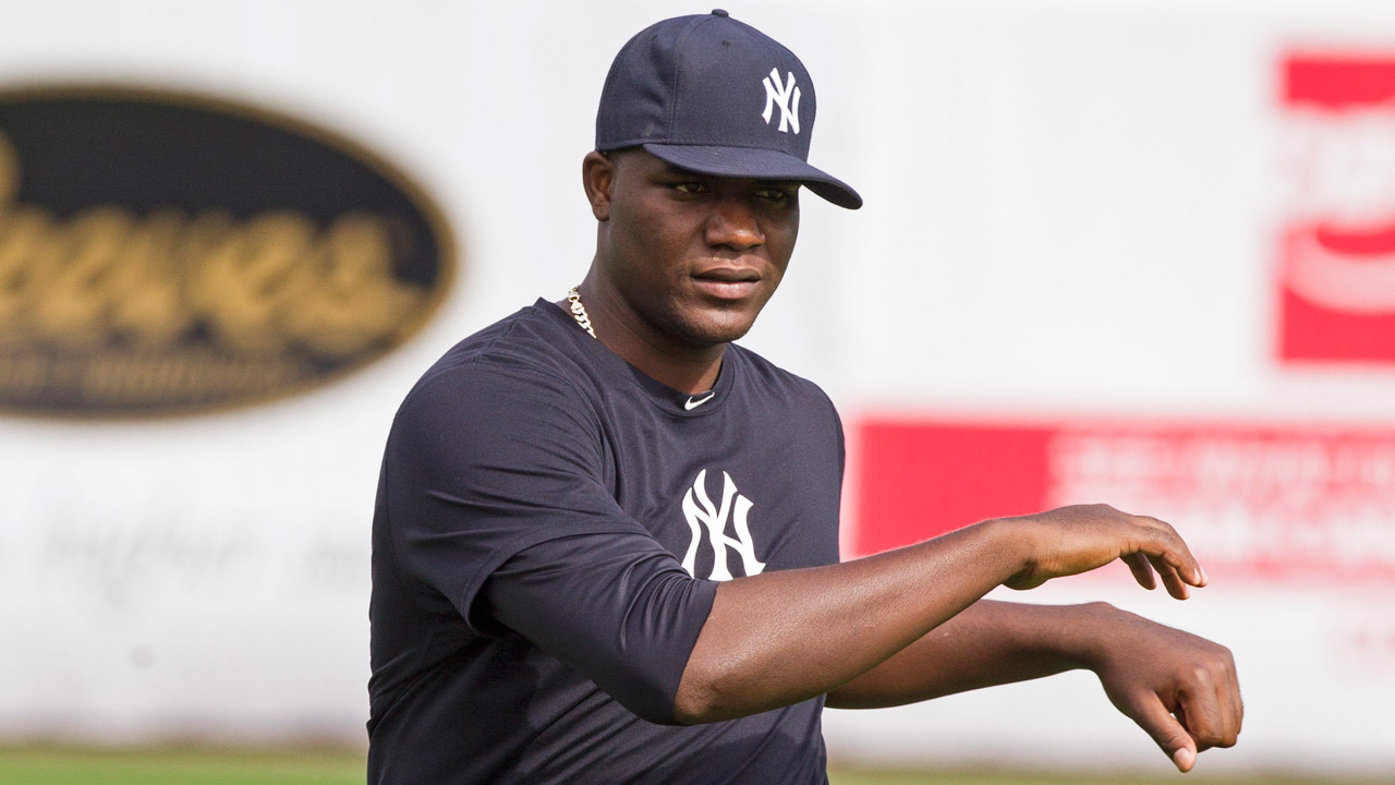 Cashman says Pineda could pitch for Yanks in '13
