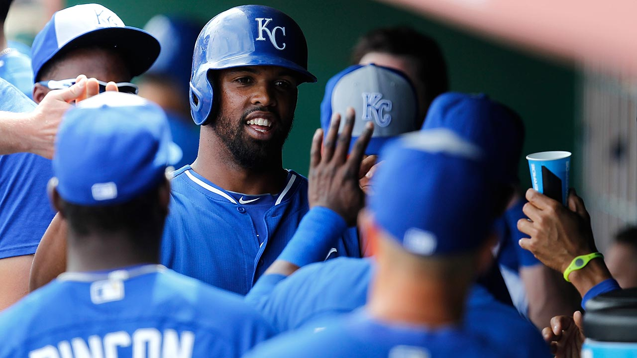 Royals 'pen can't hold on after Ventura's crisp start