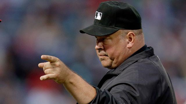 Report: Veteran umpire Bell, 48, dies of heart attack