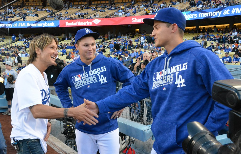 country superstar keith urban read  lineup    meet   mondays dodgers game