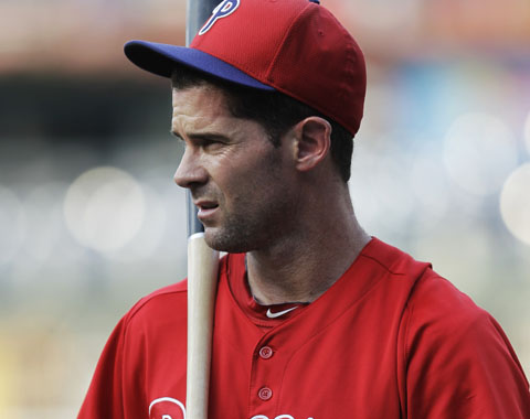 Dodgers agregan a Michael Young en canje con Filis