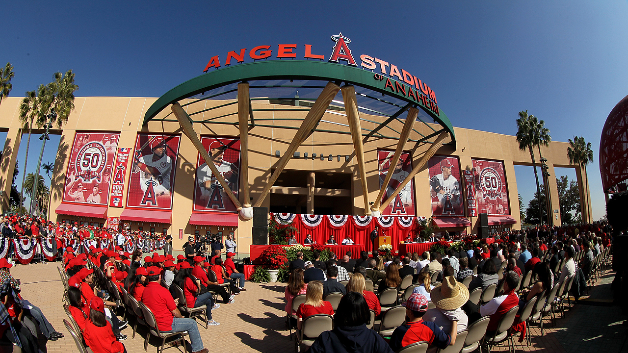 Angels franchise reaches .500 for first time since 1961