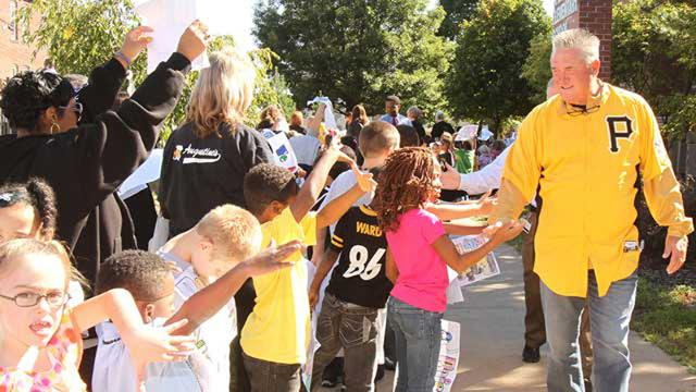 Bucs thrill students with Clemente Day visit