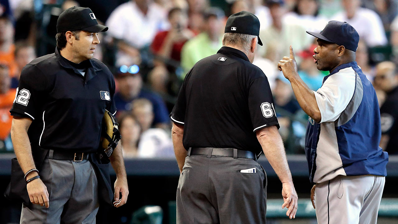 McClendon ejected for first time as Mariners' skipper