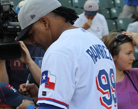 Los Rangers dejaron en libertad a Manny Ramírez