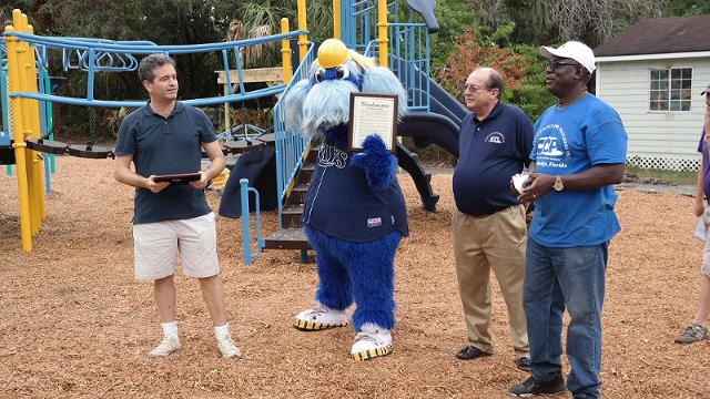 Let them play: Rays help build new playground
