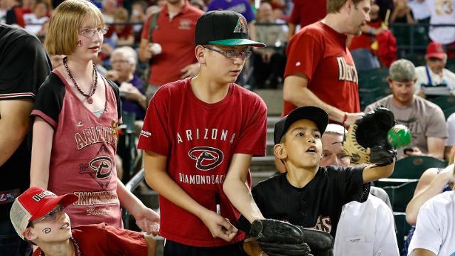 D-backs dedicated to dressing kids like home team