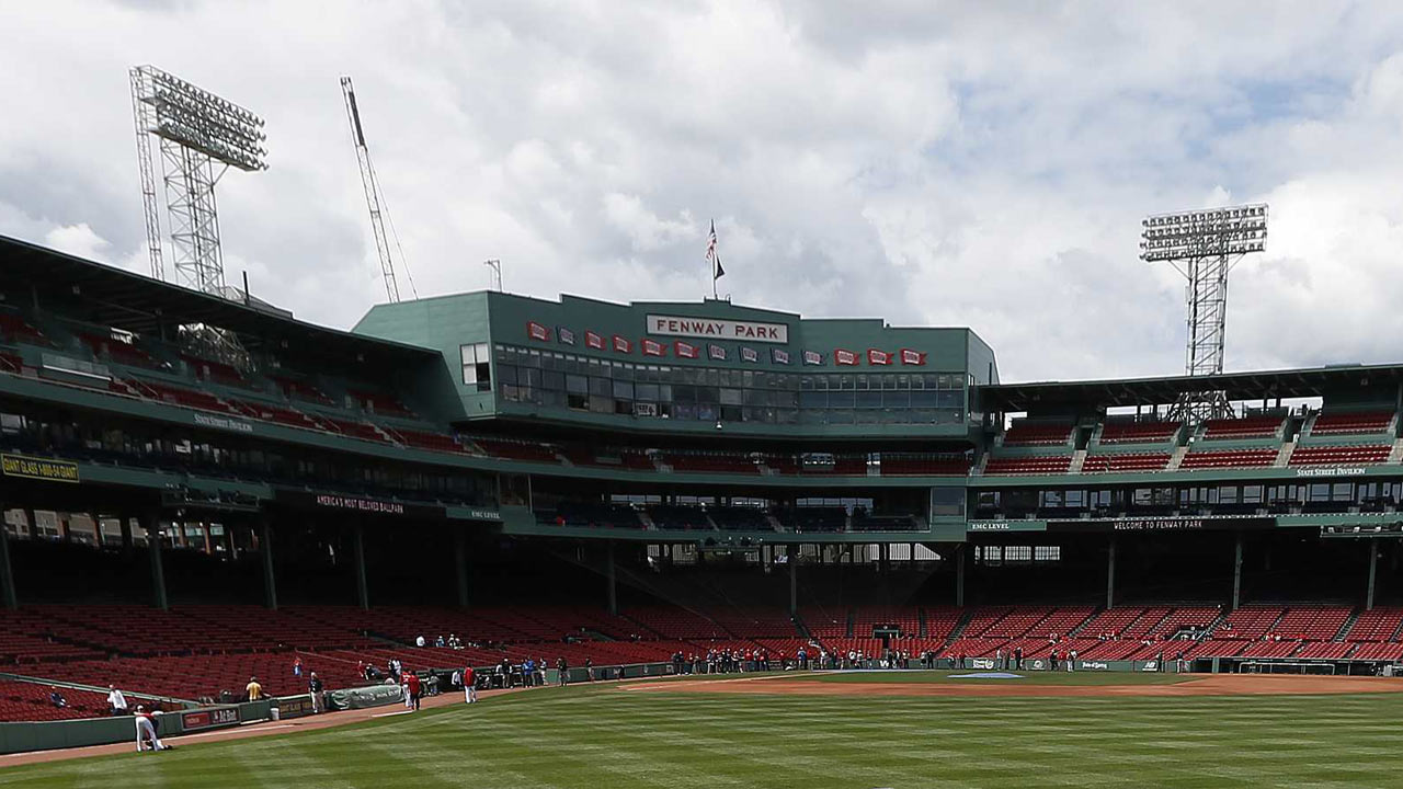 Red Sox raise awareness for autism