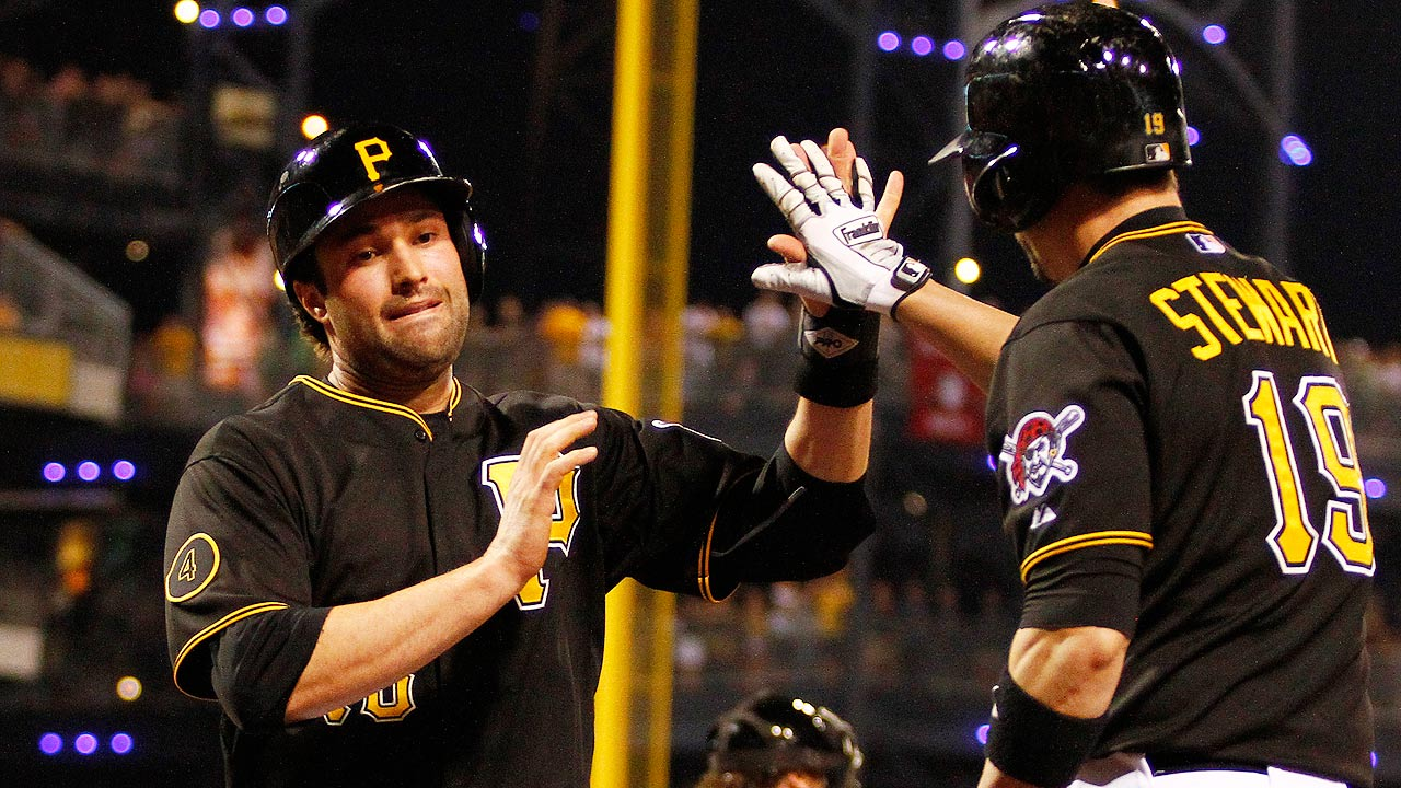 Returning from back injury, Walker exits early