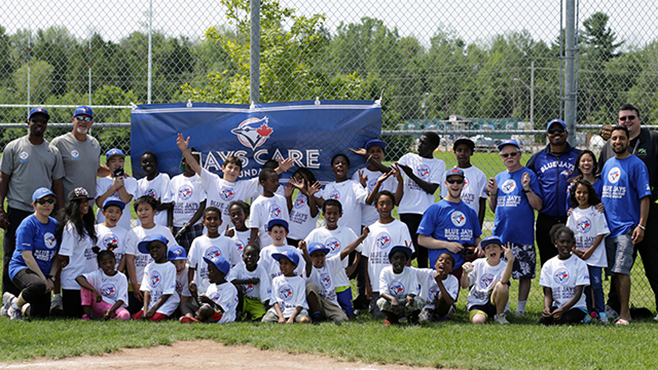 Blue Jays alums help open youth field in Ottawa