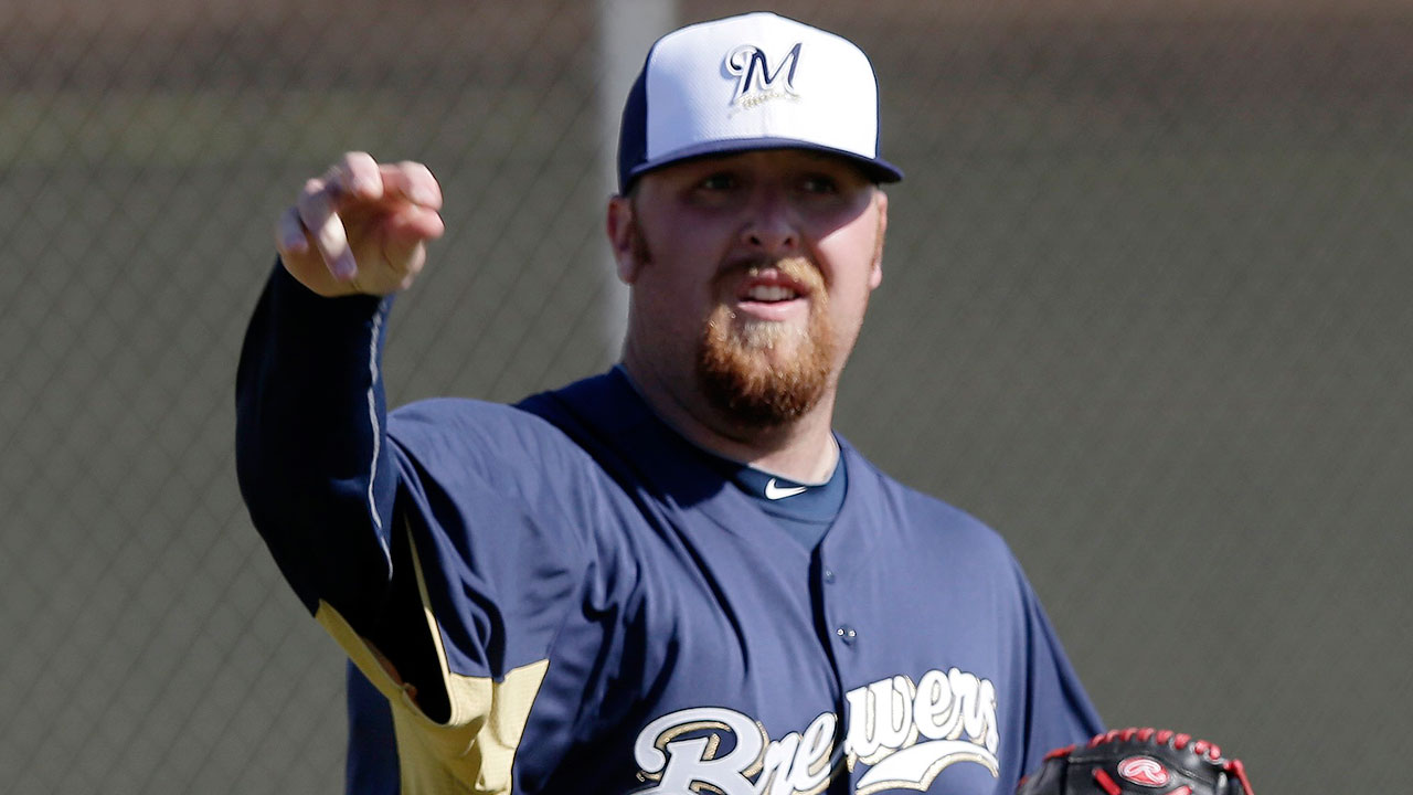 Brewers release bullpen candidate Olmsted