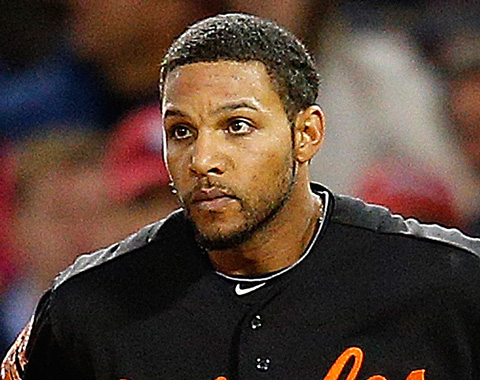 Robert Andino pasa de Baltimore a Seattle