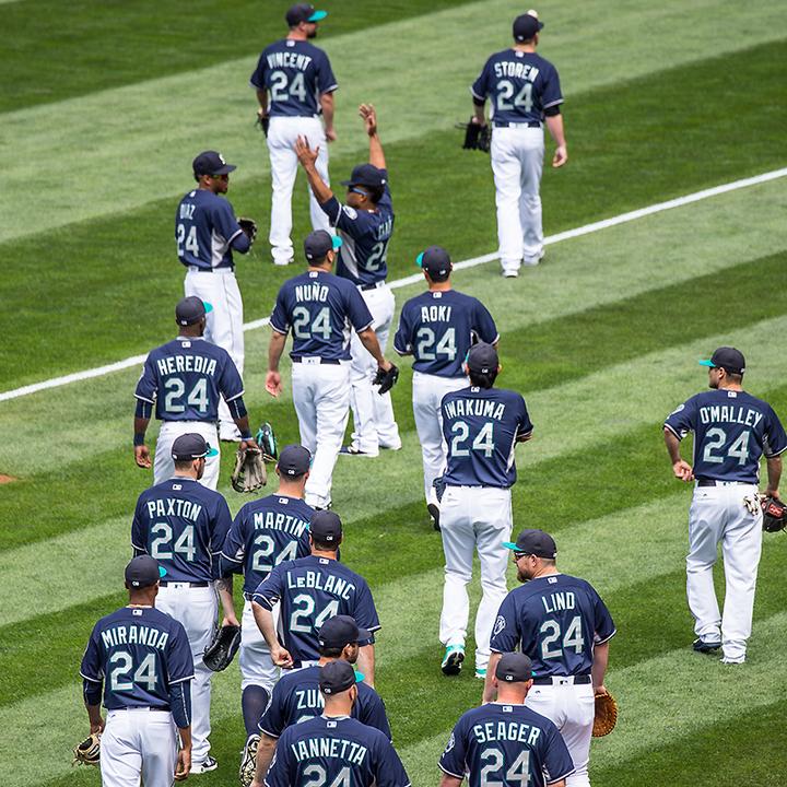 hot sale online d50e7 105e1 Photos: Mariners wear No. 24 for Griffey | MLB.com
