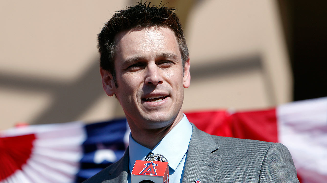 GM Dipoto returning in '15 after Angels pick up option