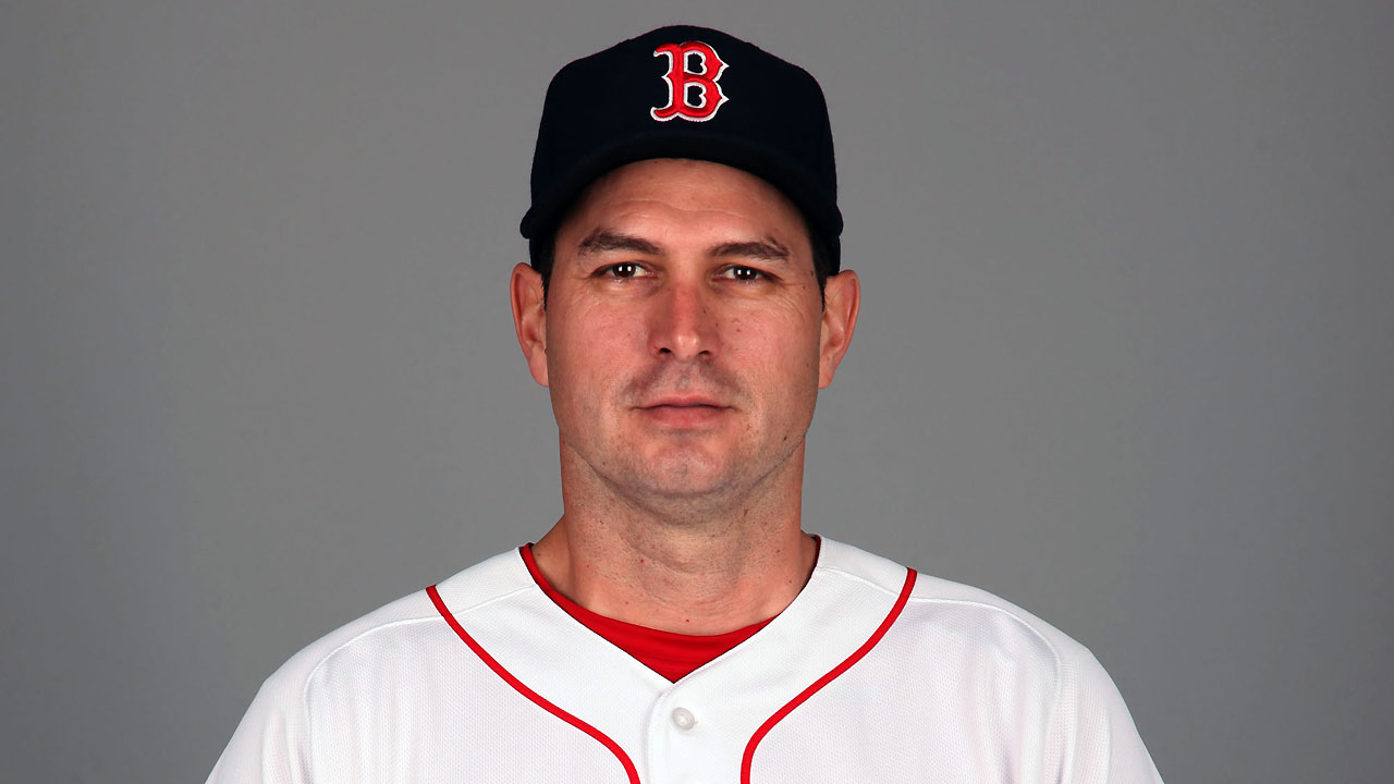 Hitting coach Colbrunn set to rejoin Red Sox