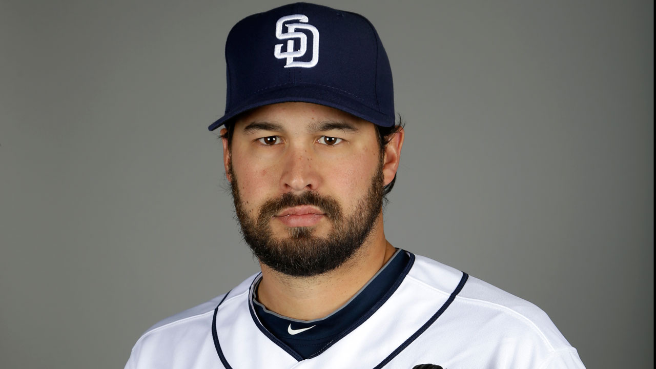 Padres send RHP Carter to Japanese league team