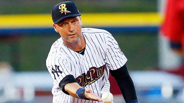Jeter returns, but leaves with tight right quad