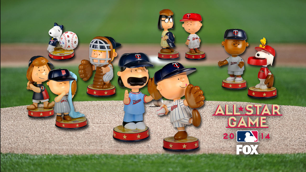 Twins honor iconic Schulz with Peanuts statues