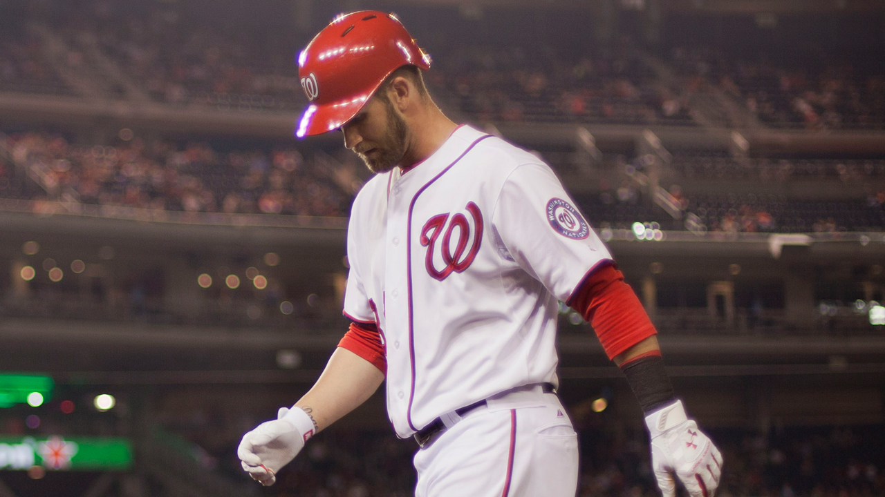 Williams: No problem with Harper's two-strike bunting