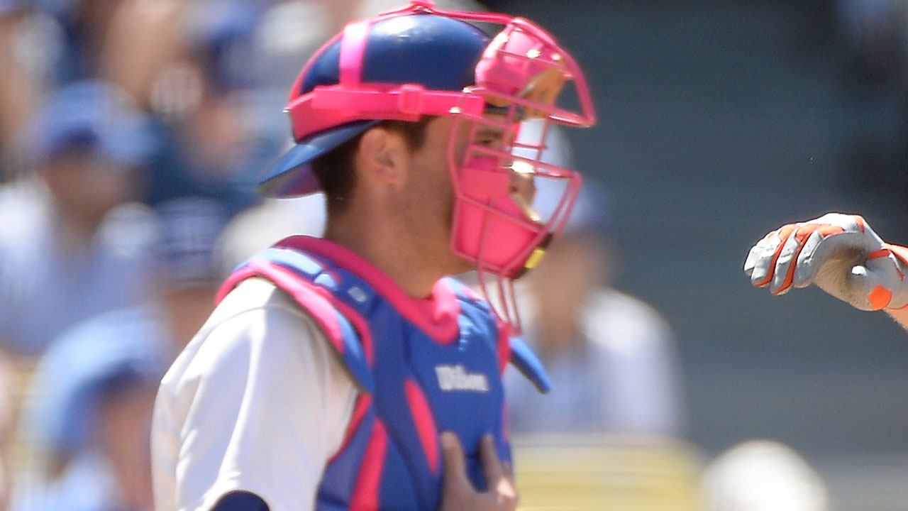 Dodgers bedecked in pink for Mother's Day