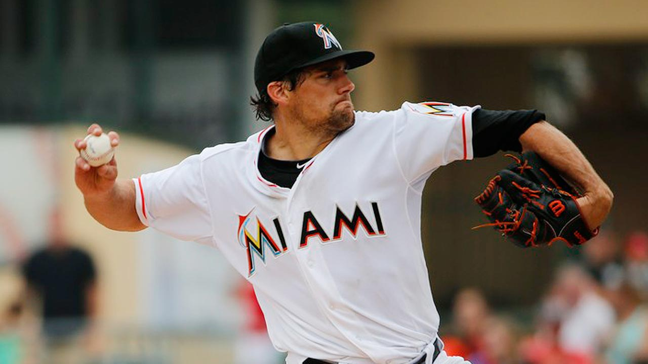 High pitch count leads to short outing for Eovaldi