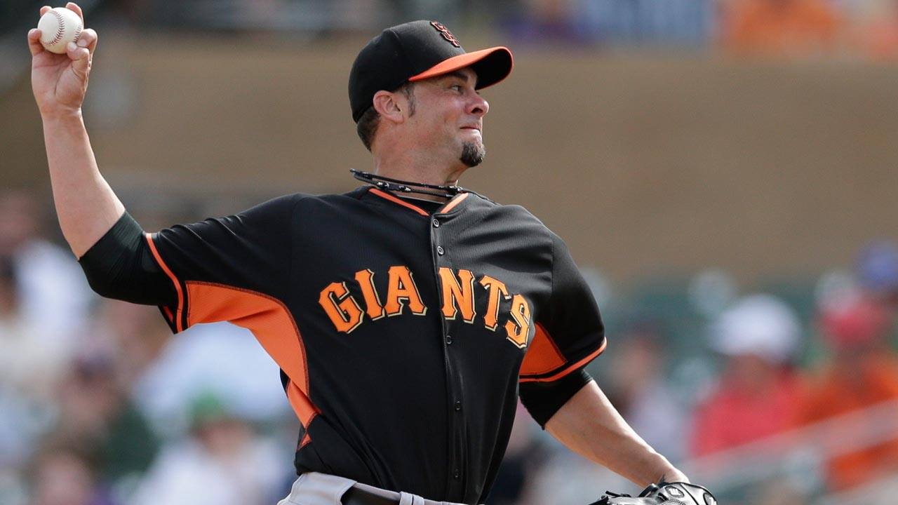 Vogelsong caught between old and new delivery