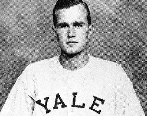 Bush padre reconocido por el Salón universitario