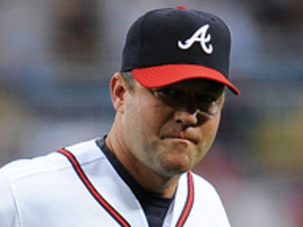 Atlanta renovó con el coach de pitcheo Roger McDowell