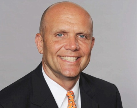 Mike Dee es el nuevo presidente de los Padres
