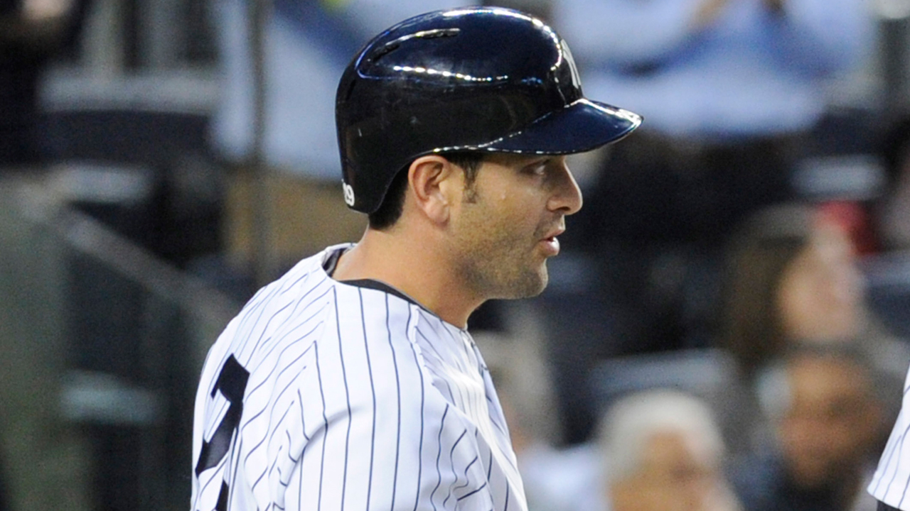 Cervelli rejoins Yanks; Murphy optioned to Triple-A
