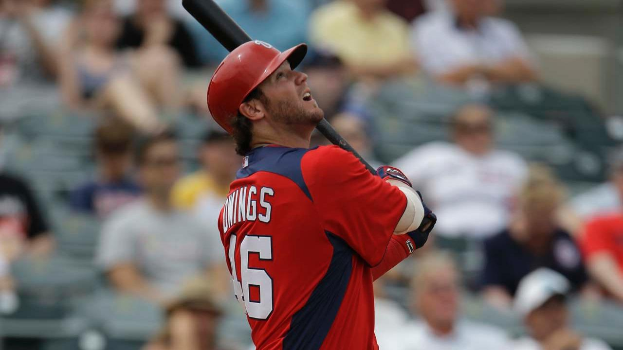 Marlins, Owings agree on Minor League deal