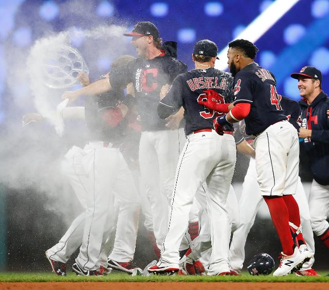 Indians' win streak snapped at 22 games