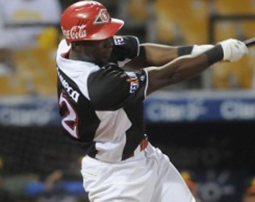 El Escogido domina a Águilas en Liga Dominicana