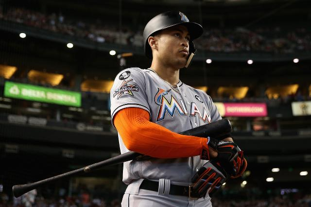 Marlins, Yankees discussing deal for Giancarlo Stanton, sources say