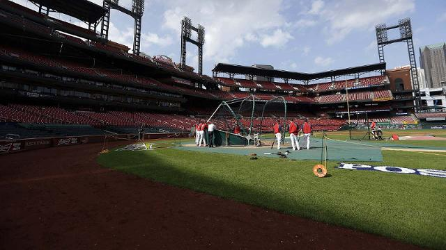Busch Stadium shadows may be factor in Game 1