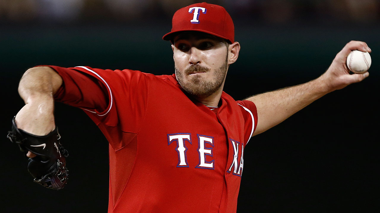 Poreda rejoins Rangers bullpen from Triple-A