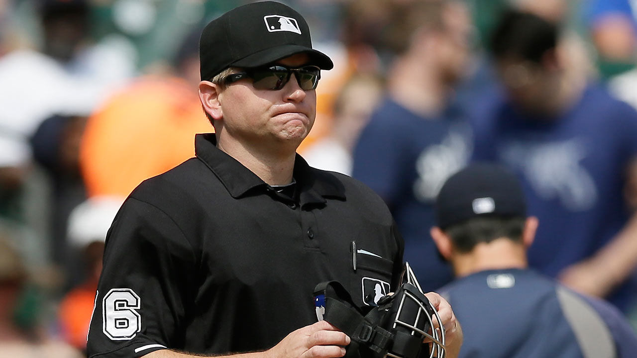 Umpire Muchlinski exits game in fifth inning