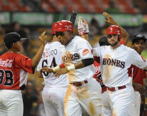 R.D.: Martinez da triunfo a Leones sobre Estrellas