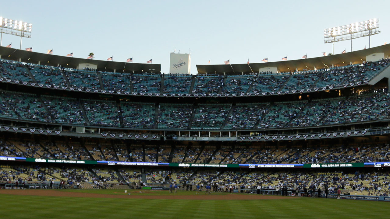 Dodger Stadium to feature metal detectors