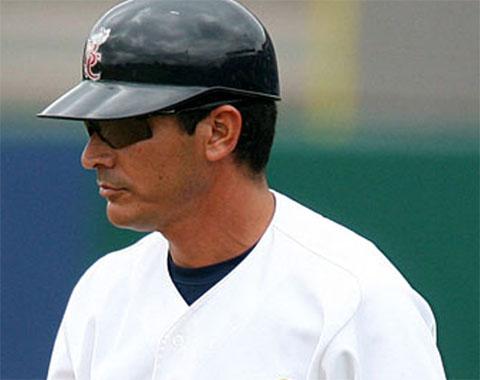 Mike Guerrero reconocido por su labor en liga menor