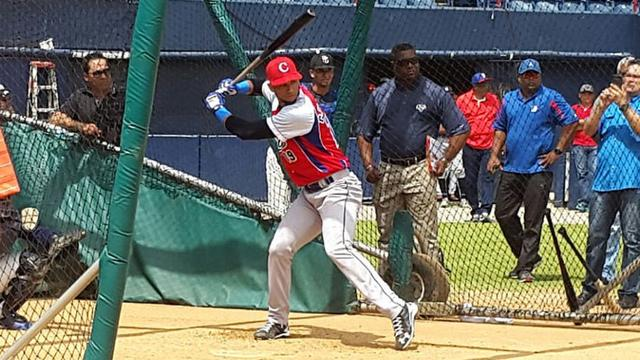 Lourdes Gurriel Jr. starred in a showcase for all teams in September and worked out privately for teams in the weeks that followed.