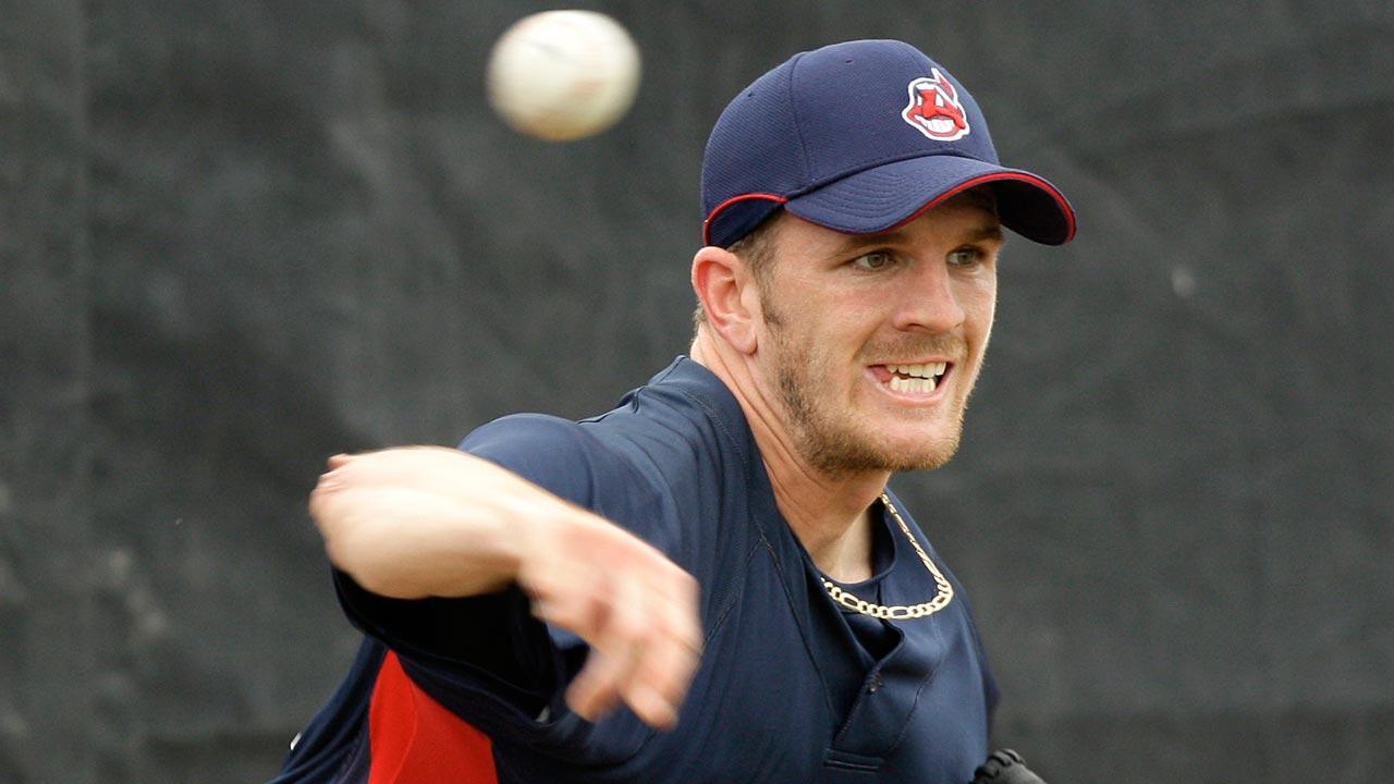 Indians bring back former prospect Miller